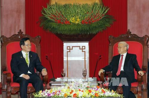 Tổng Bí thư Nguyễn Phú Trọng và Chủ tịch Quốc hội Hàn Quốc Chung Ui-Hwa.