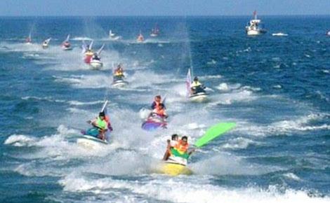 Kết quả hình ảnh cho lướt sóng moto nước
