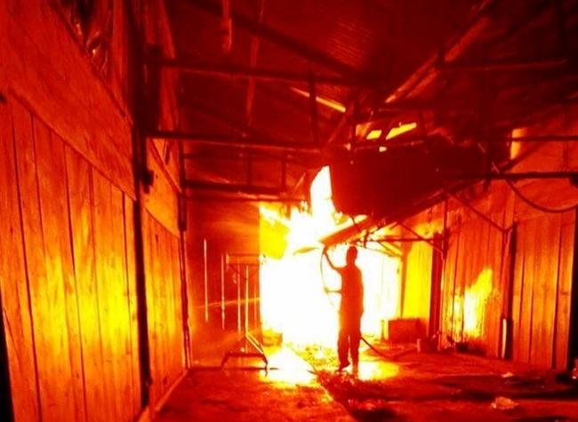 Đức Trọng: Hỏa hoạn kinh hoàng, hàng chục gia đình bị mất nhà cửa