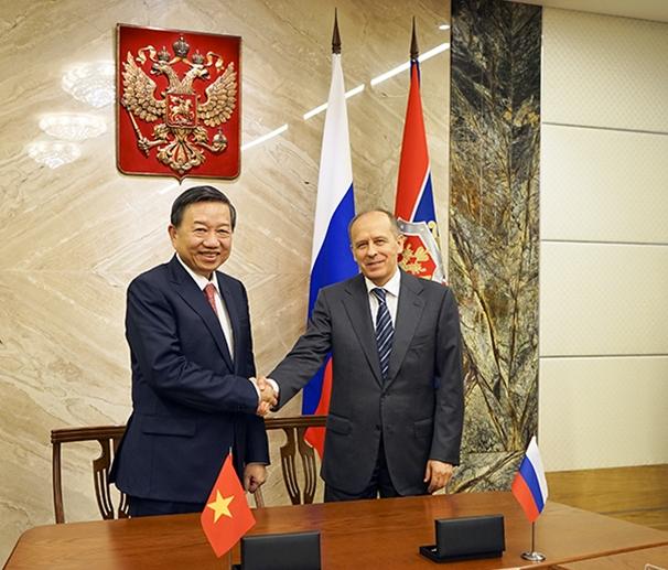 Hội đàm cấp cao Bộ Công an Việt Nam và Cơ quan An ninh Liên bang Nga