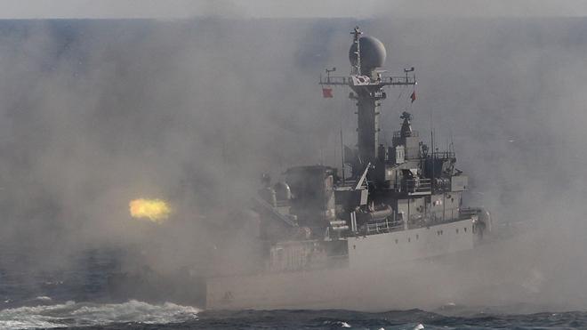 """Ông Kim Jong Un tuyên bố """"Hàn Quốc sẽ phải hối tiếc"""" nếu tiếp tục bắn vào tàu Triều Tiên"""