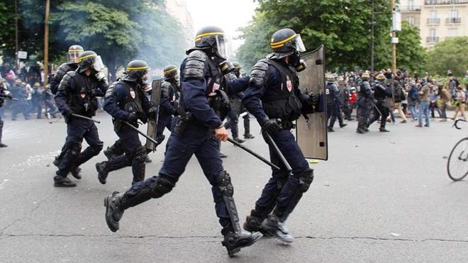 Dự luật cải cách lao động tiếp tục gây căng thẳng tại Pháp