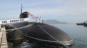 Lễ thượng cờ tàu ngầm 184 Hải Phòng và 185 Khánh Hòa