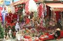 Nhộn nhịp hàng hoá phục vụ mùa Noel