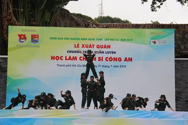 """Lễ xuất quân Chương trình huấn luyện """"Học làm chiến sĩ Công an"""" - Ảnh minh hoạ 4"""