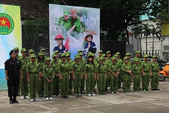 """Lễ xuất quân Chương trình huấn luyện """"Học làm chiến sĩ Công an"""" - Ảnh minh hoạ 6"""