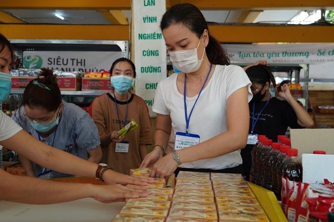 """""""Siêu thị hạnh phúc 0 đồng"""" đầu tiên tại TP Hồ Chí Minh - Ảnh minh hoạ 9"""