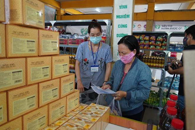 """""""Siêu thị hạnh phúc 0 đồng"""" đầu tiên tại TP Hồ Chí Minh - Ảnh minh hoạ 10"""