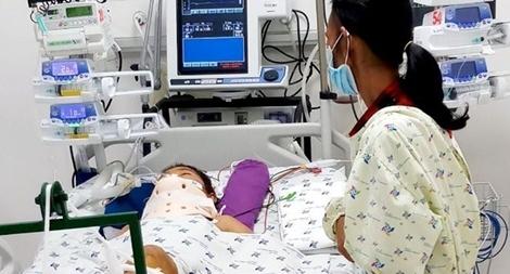 Hãy cứu giúp gia đình người mẹ ung thư có 2 con bị tai nạn giao thông
