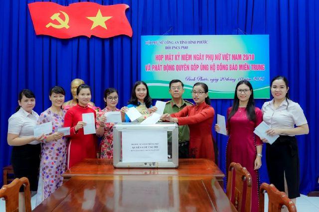 Công an Bình Phước ủng hộ tiền và gói bánh tét gửi đồng bào miền Trung - Ảnh minh hoạ 4