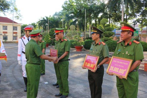 Khen thưởng nhiều tập thể Công an tỉnh Bình Phước - Ảnh minh hoạ 2
