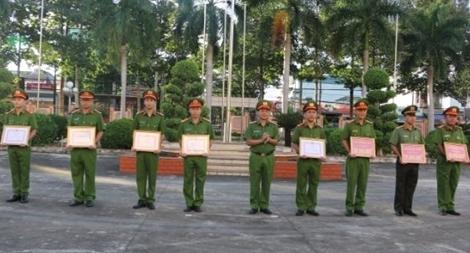Khen thưởng nhiều tập thể Công an tỉnh Bình Phước