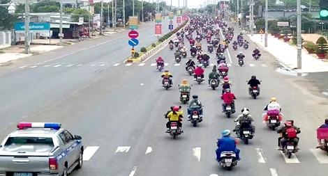 Công an Bình Phước hỗ trợ người dân Tây Nguyên về quê