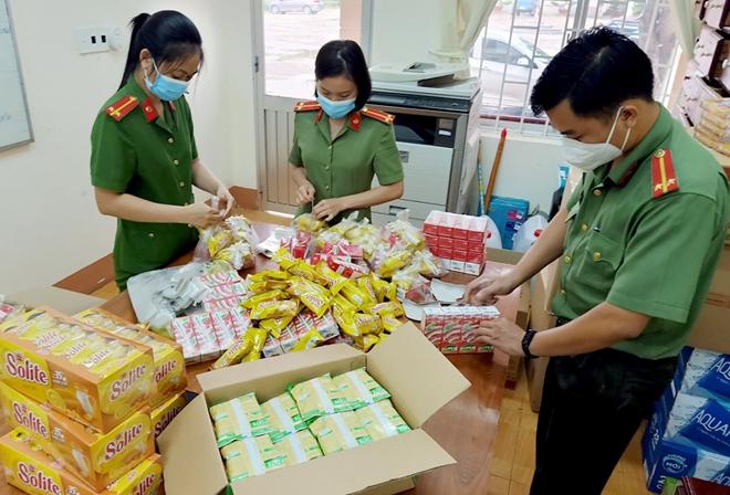 Công an Bình Phước hỗ trợ người dân Tây Nguyên về quê - Ảnh minh hoạ 6