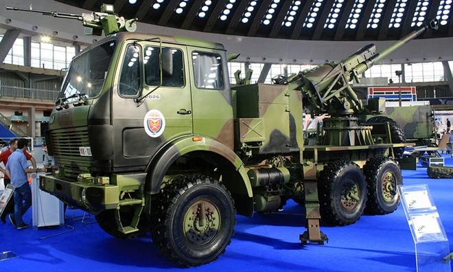 Pháo 120mm 2S42 Lotos của Quânđội Nga.Ảnh: TASS