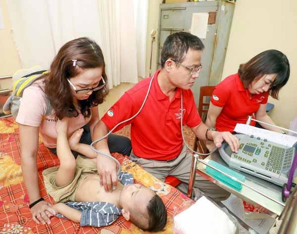 Trao nhiều cơ hội cho trẻ em nghèo bị bệnh tim được chữa trị kịp thời - Ảnh minh hoạ 7