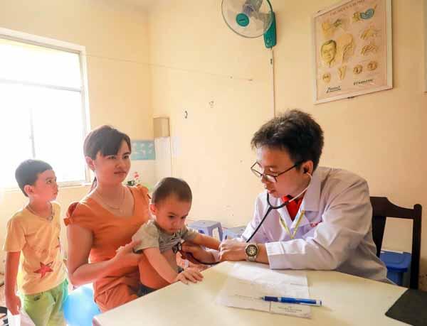 Trao nhiều cơ hội cho trẻ em nghèo bị bệnh tim được chữa trị kịp thời - Ảnh minh hoạ 8