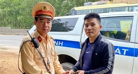 Người dân viết thư cảm ơn cán bộ CSGT ở Bình Định