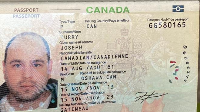 Người đàn ông quốc tịch Canada tử vong trên vỉa hè phố cổ Hà Nội