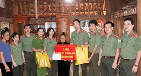 Tổ chức các hoạt động  kỷ niệm 74 năm Ngày truyền thống lực lượng ANND