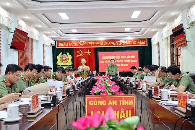 Thứ trưởng Nguyễn Văn Thành kiểm tra công tác chuẩn bị Đại hội Đảng tại CA Lai Châu