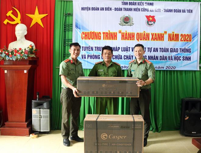 Thanh niên Công an tỉnh Kiên Giang tổ chức Hành quân xanh năm 2020