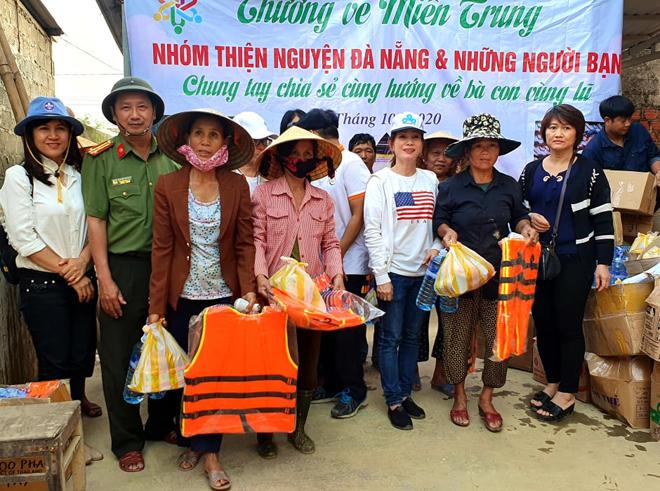 Hơn 1.000 phần quà đến với người dân vùng lũ Quảng Bình - Ảnh minh hoạ 11