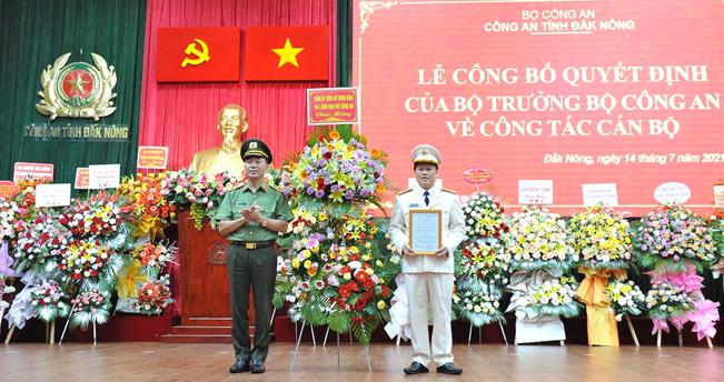 Công bố, trao quyết định Giám đốc Công an tỉnh Đắk Nông - Ảnh minh hoạ 3