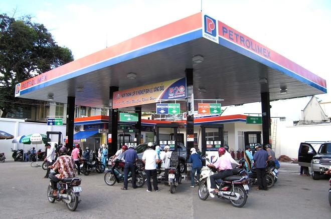 Petrolimex khẳng định việc cung cấp xăng RON 95 đủ cung ứng cho người tiêu dùng - Ảnh minh hoạ 2