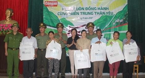 Báo CAND chung tay giúp đỡ người dân ven biển Quảng Bình