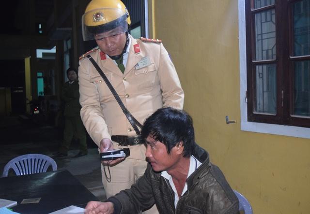 Một trường hợp sử dụng rượu bia nhưng vẫn điều khiển phương tiện giao thông bị Tổ công tác đặc biệt Côngan Thừa Thiên Huế xử lý.