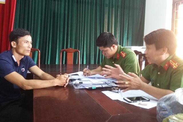 Công an TP Huế lấy lời khai tài xế Lộc.