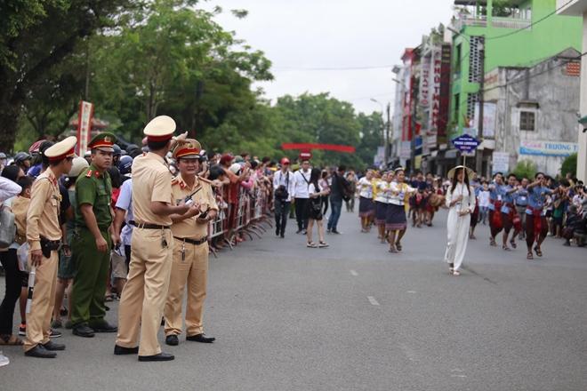 Công an tỉnh Thừa Thiên- Huế góp phần làm nên thành công Festival Huế 2018 - Ảnh minh hoạ 5
