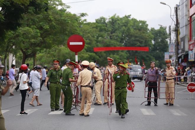 Công an tỉnh Thừa Thiên- Huế góp phần làm nên thành công Festival Huế 2018 - Ảnh minh hoạ 2