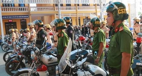 Công an tỉnh Thừa Thiên - Huế ra quân đợt cao điểm đảm bảo trật tự ATGT