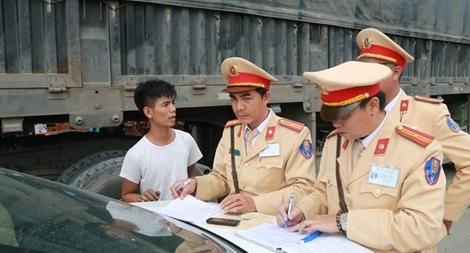 Bảo đảm trật tự đô thị, an toàn giao thông cố đô Huế trong dịp tết Nguyên đán