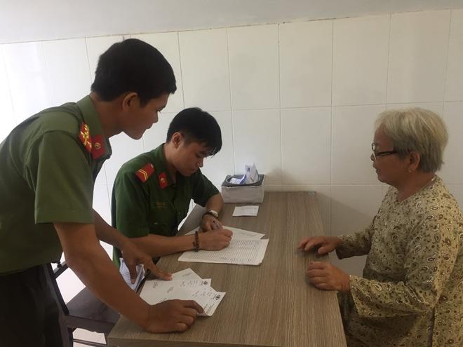 Bác sĩ BV Mắt ở Hà Nội vào Huế khám, phẫu thuật miễn phí cho bệnh nhân - Ảnh minh hoạ 8