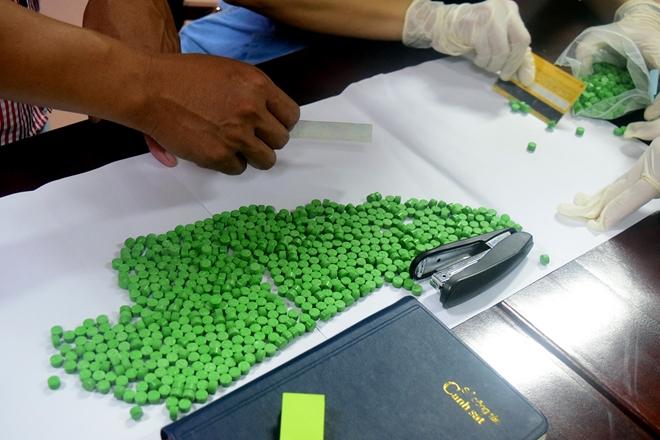 Khen thưởng Ban chuyên án phá vụ vận chuyển hơn 30 nghìn viên ma túy - Ảnh minh hoạ 3