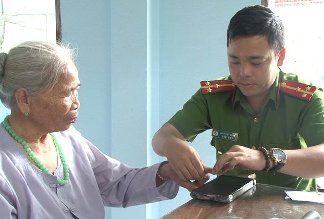 Đến tận nhà giúp người dân làm thủ tục cấp, đổi giấy CMND - Ảnh minh hoạ 4