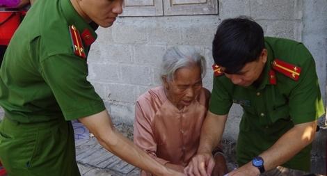 Cấp, đổi giấy CMND tại nhà cho người già, người khuyết tật