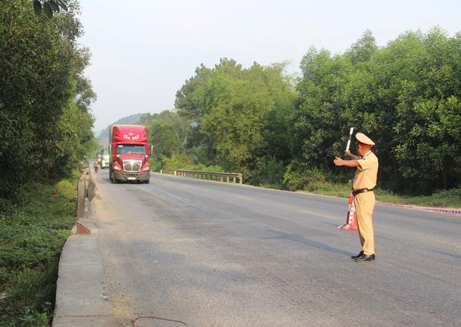 Công an các tỉnh ra quân tổng kiểm soát phương tiện đường bộ - Ảnh minh hoạ 5