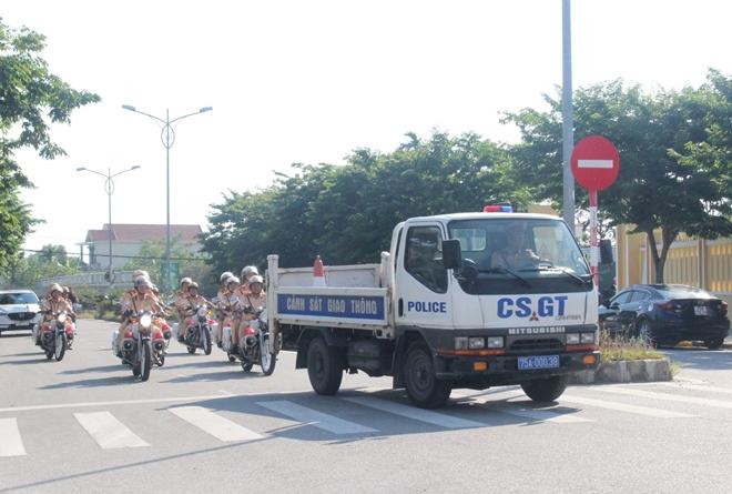 CSGT Công an tỉnh Thừa Thiên Huế mở đợt cao điểm đảm bảo ATGT - Ảnh minh hoạ 3