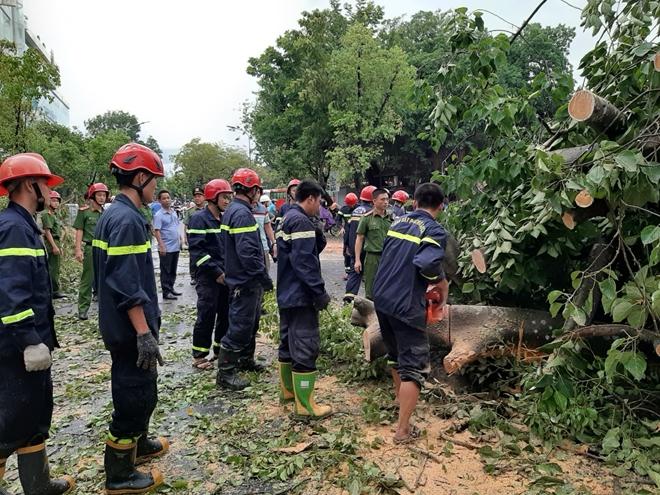 Công an Thừa Thiên Huế khắc phục hậu quả sau bão số 5 - Ảnh minh hoạ 4