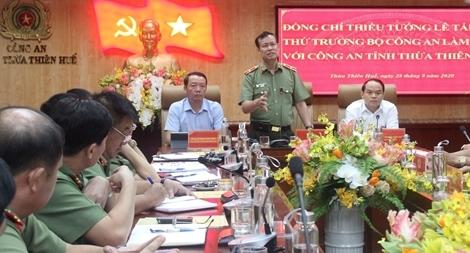 Thứ trưởng Lê Tấn Tới làm việc với Công an tỉnh Thừa Thiên Huế
