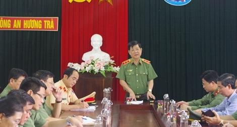 Thứ trưởng Nguyễn Văn Sơn chỉ đạo công tác khắc phục hậu quả mưa lũ tại miền Trung