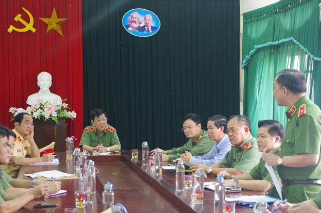 Thứ trưởng Nguyễn Văn Sơn chỉ đạo công tác khắc phục hậu quả mưa lũ tại miền Trung - Ảnh minh hoạ 3