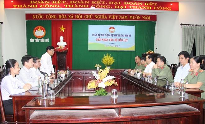 Báo CAND và các doanh nghiệp ủng hộ 1 tỷ đồng hỗ trợ đồng bào ngập lũ ở tỉnh Thừa Thiên Huế - Ảnh minh hoạ 3