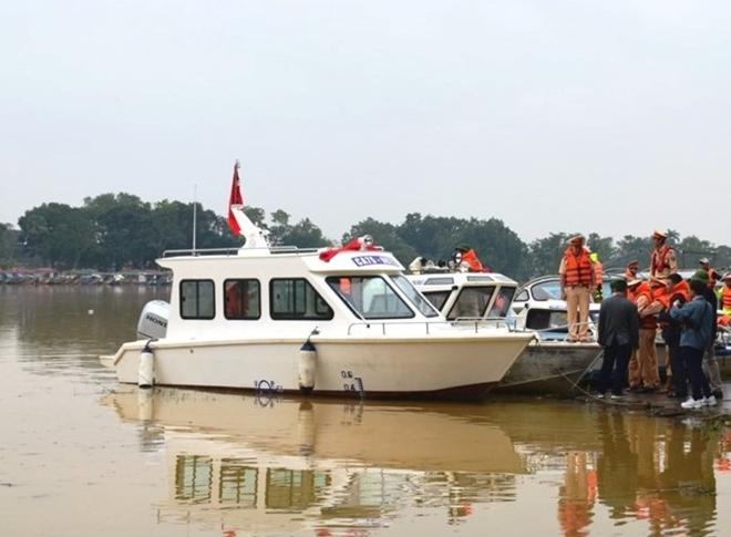Bộ Công an bàn giao ca nô công suất lớn cho Công an Thừa Thiên Huế - Ảnh minh hoạ 3