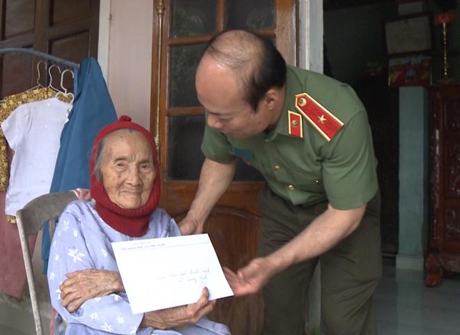 Chung tay chia sẻ khó khăn với đồng bào vùng bão lụt Thừa Thiên Huế - Ảnh minh hoạ 3