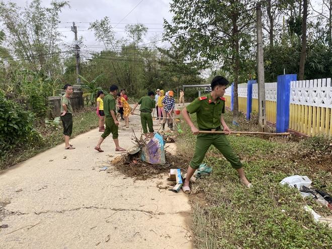 Chủ Nhật tình nguyện giúp dân của tuổi trẻ Công an Thừa Thiên Huế - Ảnh minh hoạ 9